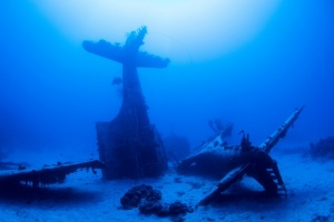 airplane wreck diving