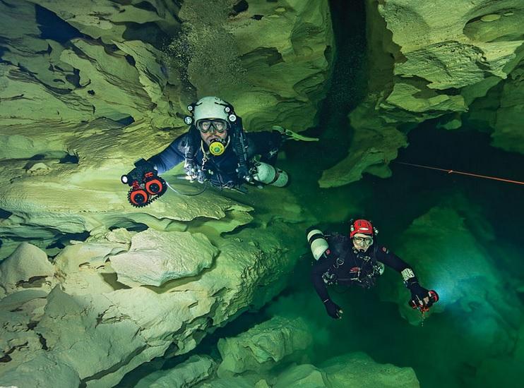 Olwolgin Cave Diving