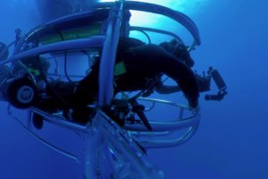 Self Propelled Shark Cage